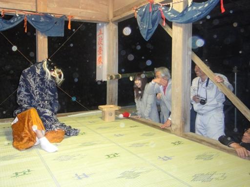 shishimai100501.JPG